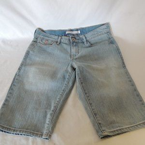 Old Navy womens jean bermuda shorts size 6